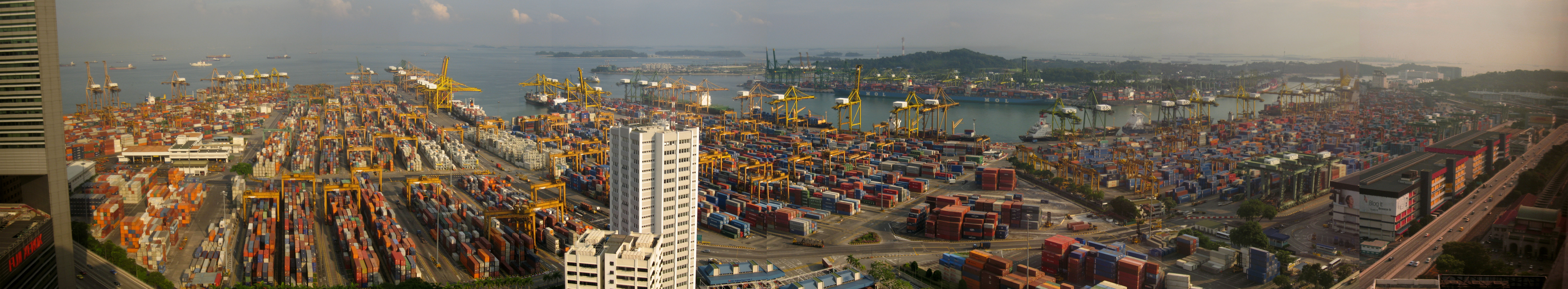 Keppel Container Terminal in Singapore (credit: Kroisenbrunner).
