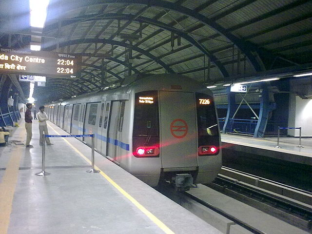 Are metro systems like that of Delhi the best answer to India's growing traffic challenges? (Credit: Rameshng).