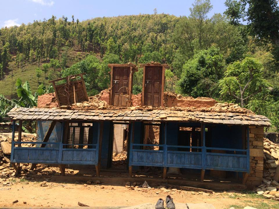 An earthquake-devastated building in the village of Dhawa in rural Gorkha district, Nepal (Credit: Learning Planet, https://www.facebook.com/LearningPlanet).
